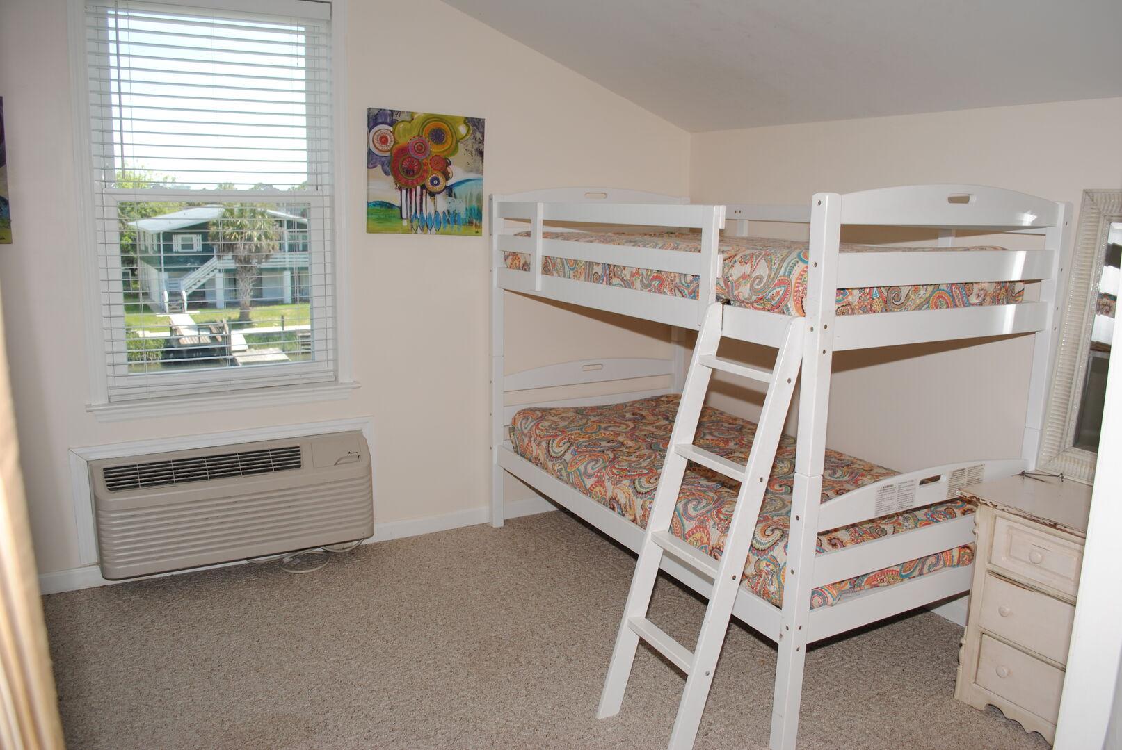 Bunk Bed - Loft Bedroom