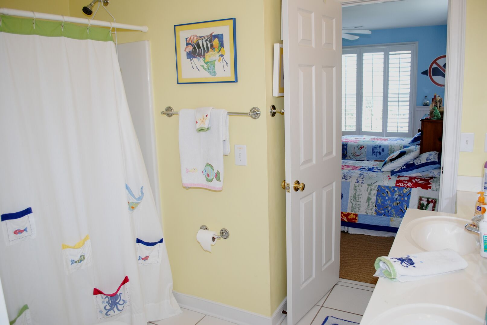 Shared Bathroom (Twins and Twins/Bunk) - Second Floor