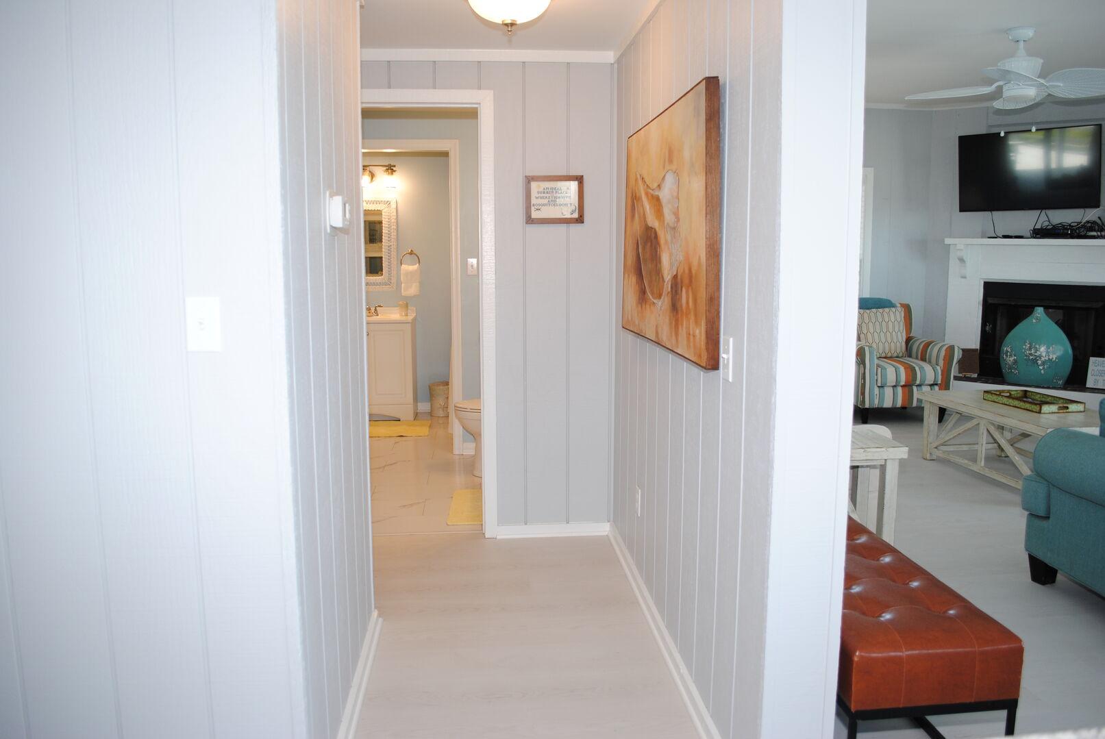 Shared Bathroom (Hallway and King) - First Floor