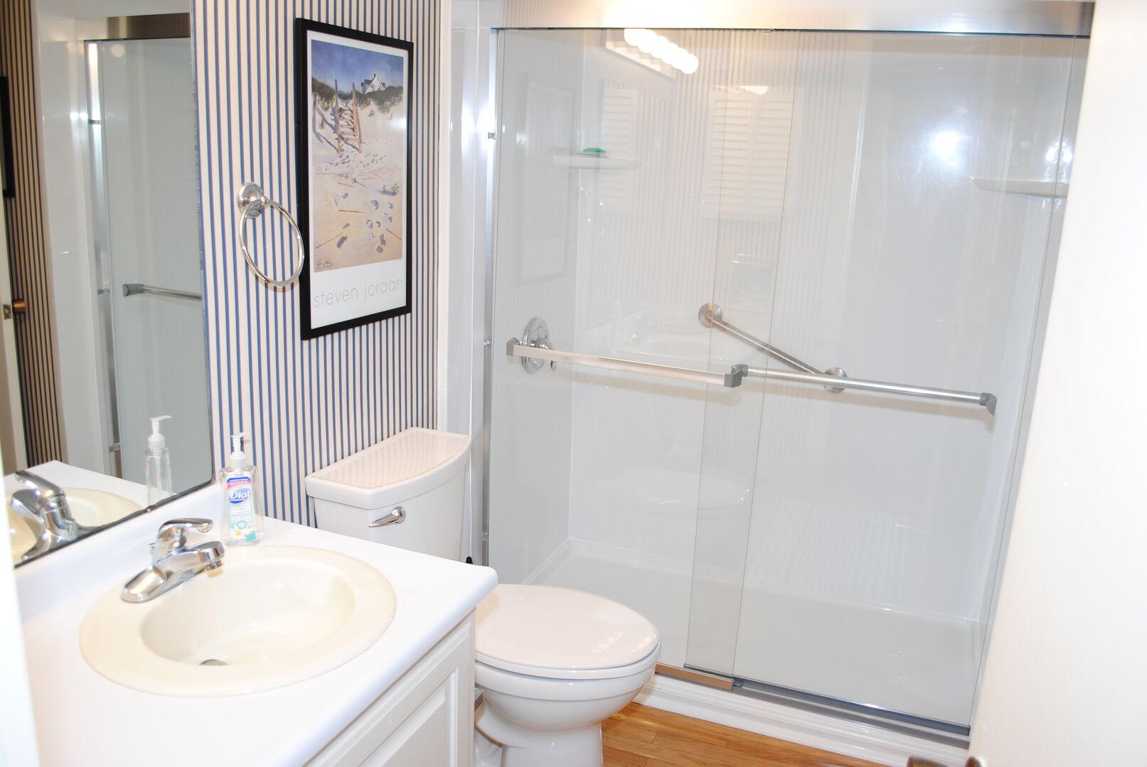 Shared Bathroom (Hallway and Queen Bedroom) - First Floor