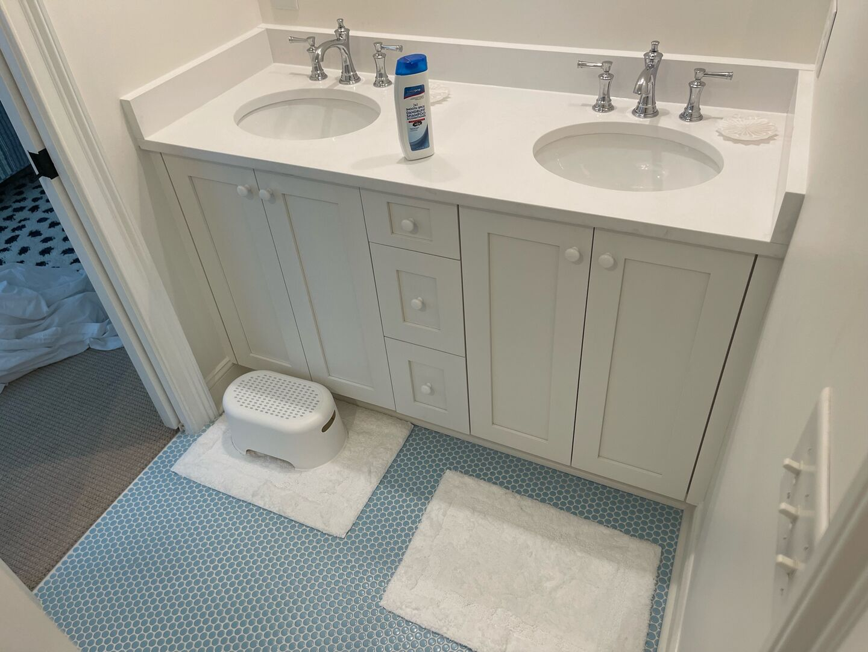 Shared Bathroom (Fulls and Twins) - First Floor