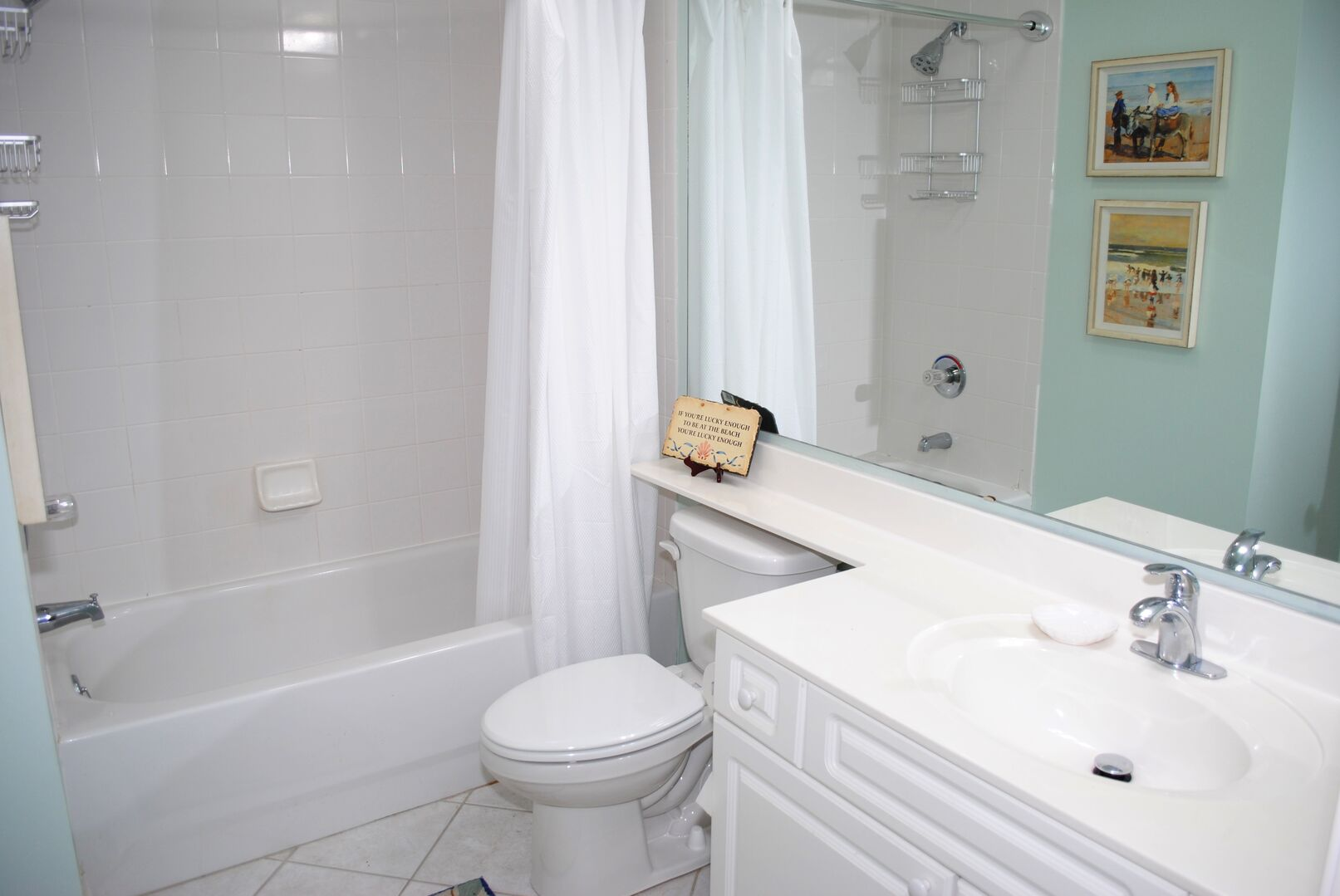Bathroom accessible by king bedroom and hallway