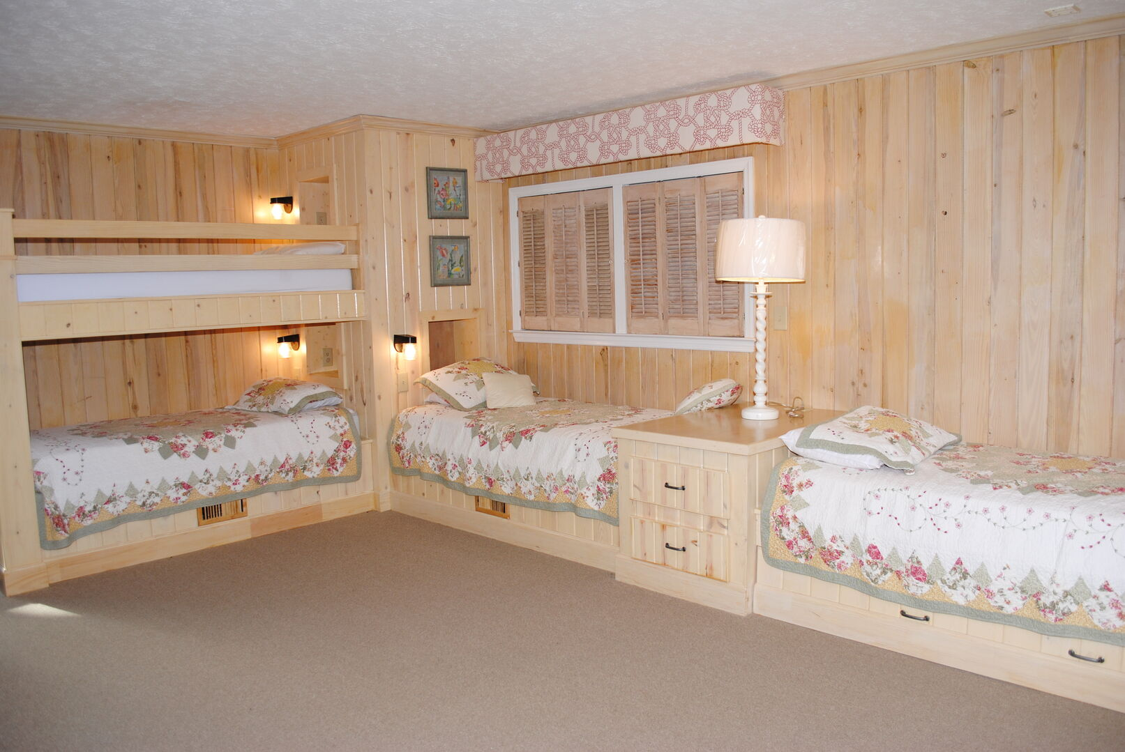 Bunk Bed (Full/Twin) and Twin with Trundle - Ground Level