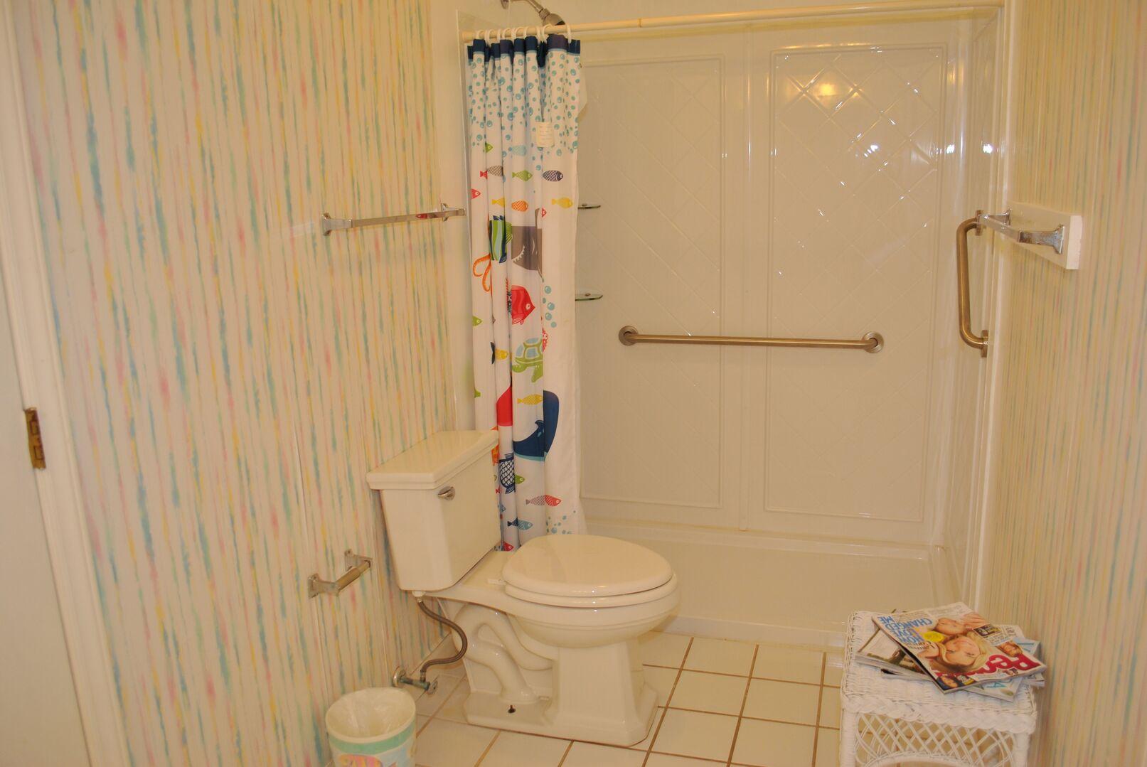 Bathroom Between King and Queen - First Floor