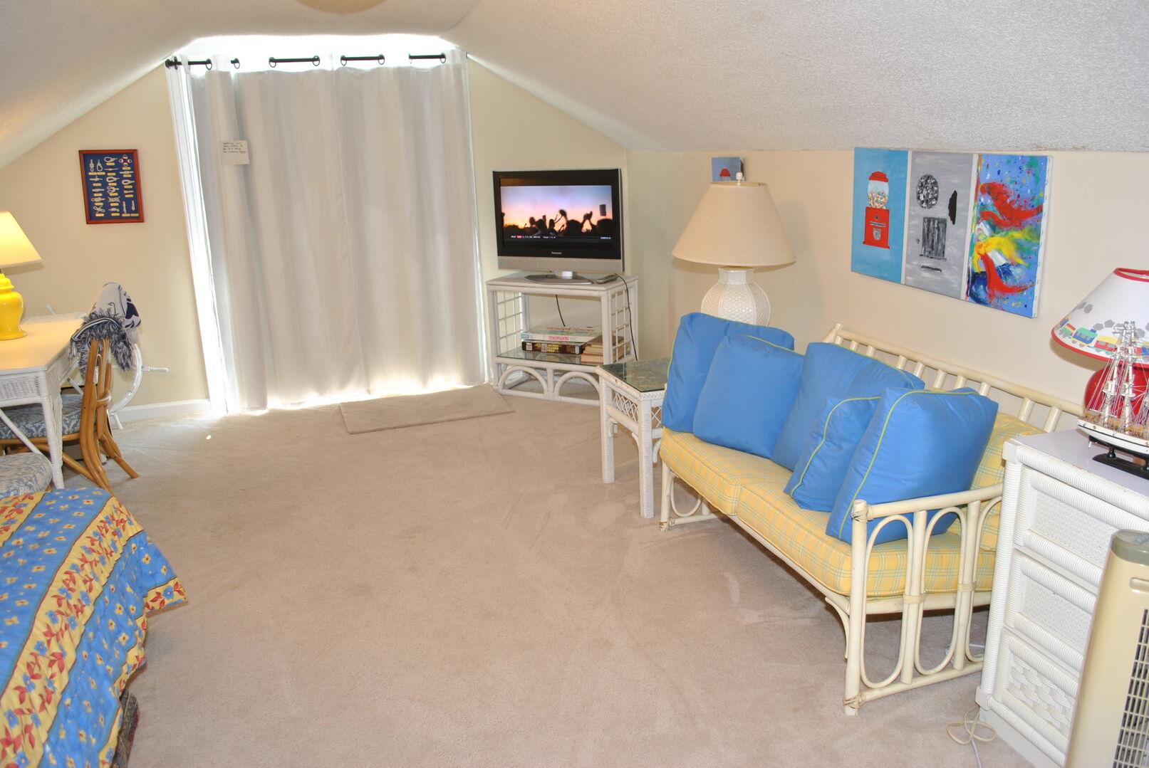 Sitting Area - Second Floor