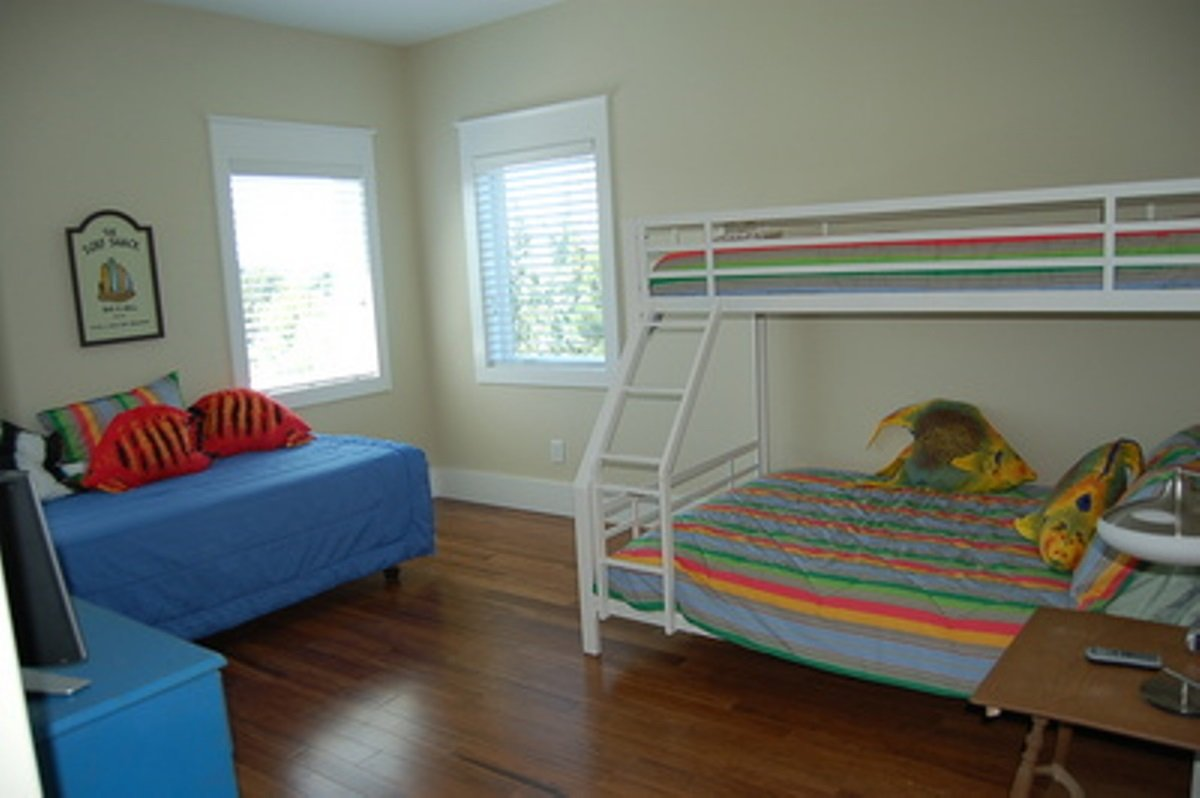 Bunk Bed (Twin Over Full) and Twin - Second Floor