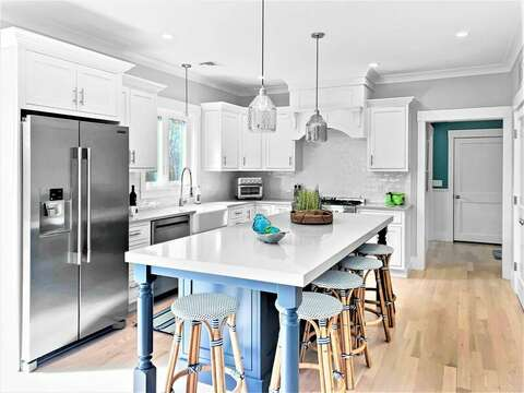 Center Island with seating for 5 -31 Pine Rd West Dennis- Cape Cod- New England Vacation Rentals