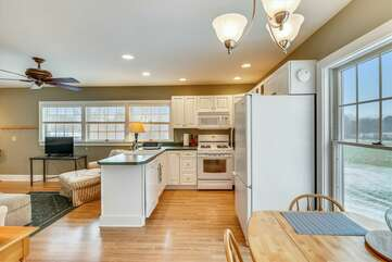 Mother-in-law suite: kitchen