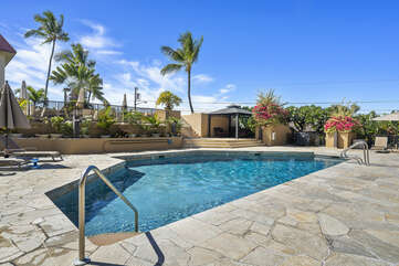 Kona Pacific pool