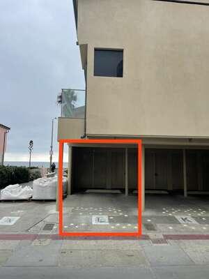 1 Carport Parking Space (6'11