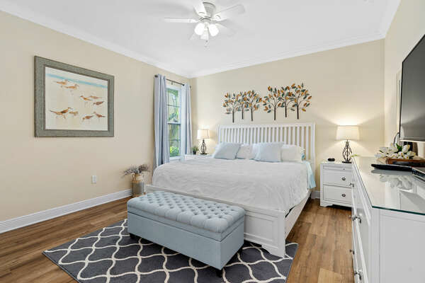 Feel right at home in this master suite