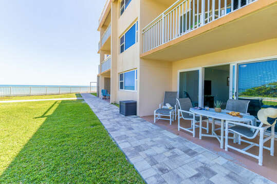 Easy access to the pool, grass and ocean!