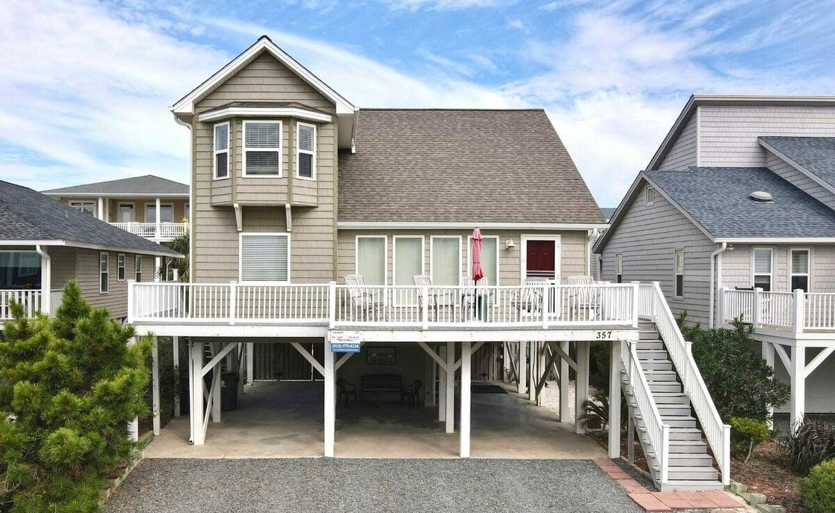357E1 - Horton's Harbor - Oceanview House