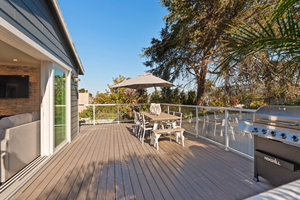 Deck with Large Dining Table and Grill