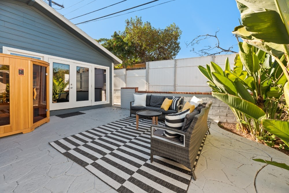 Backyard with Lounge Area