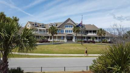 Island Club is home to Seabrook Island Pro Shop, Bohicket Lounge, The Palmetto Room & Seaview Terrace, and Banquet Facilities.