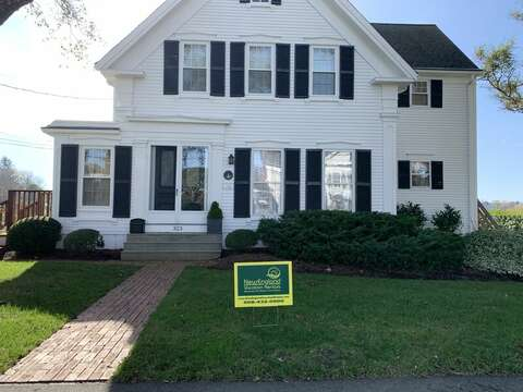 View of house from street - front entrance for 323 Main Street Chatham Cape Cod - New England Vacation Rentals