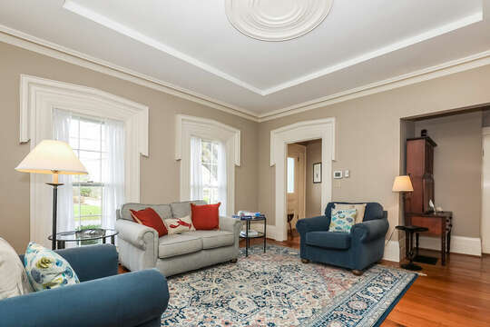 Plenty of seating for the whole family.  323 Main Street Chatham Cape Cod - New England Vacation Rentals