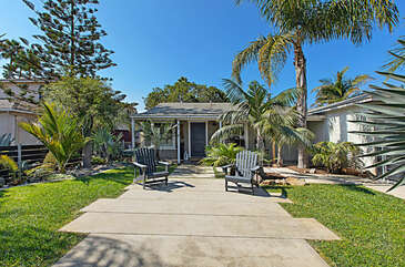 Welcome to our quint beach bungalow in Oceanside, CA.