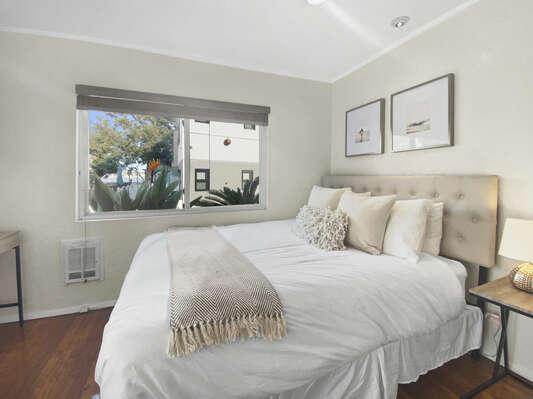 Guest Suite, Queen - First Floor