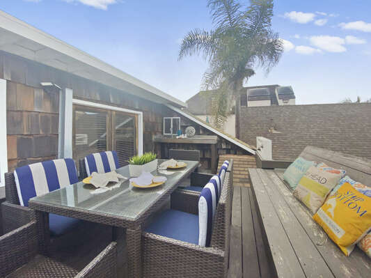 Top Floor Deck with Outdoor Dining and Wet Bar