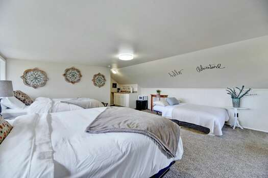 Casita with Two Queen Beds, a Full-size Futon and Kitchenette