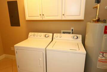 Washer and dryer / Laundry room in unit