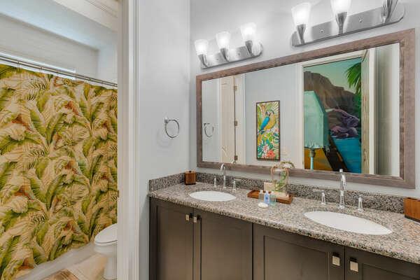 En-suite bathroom for convenience