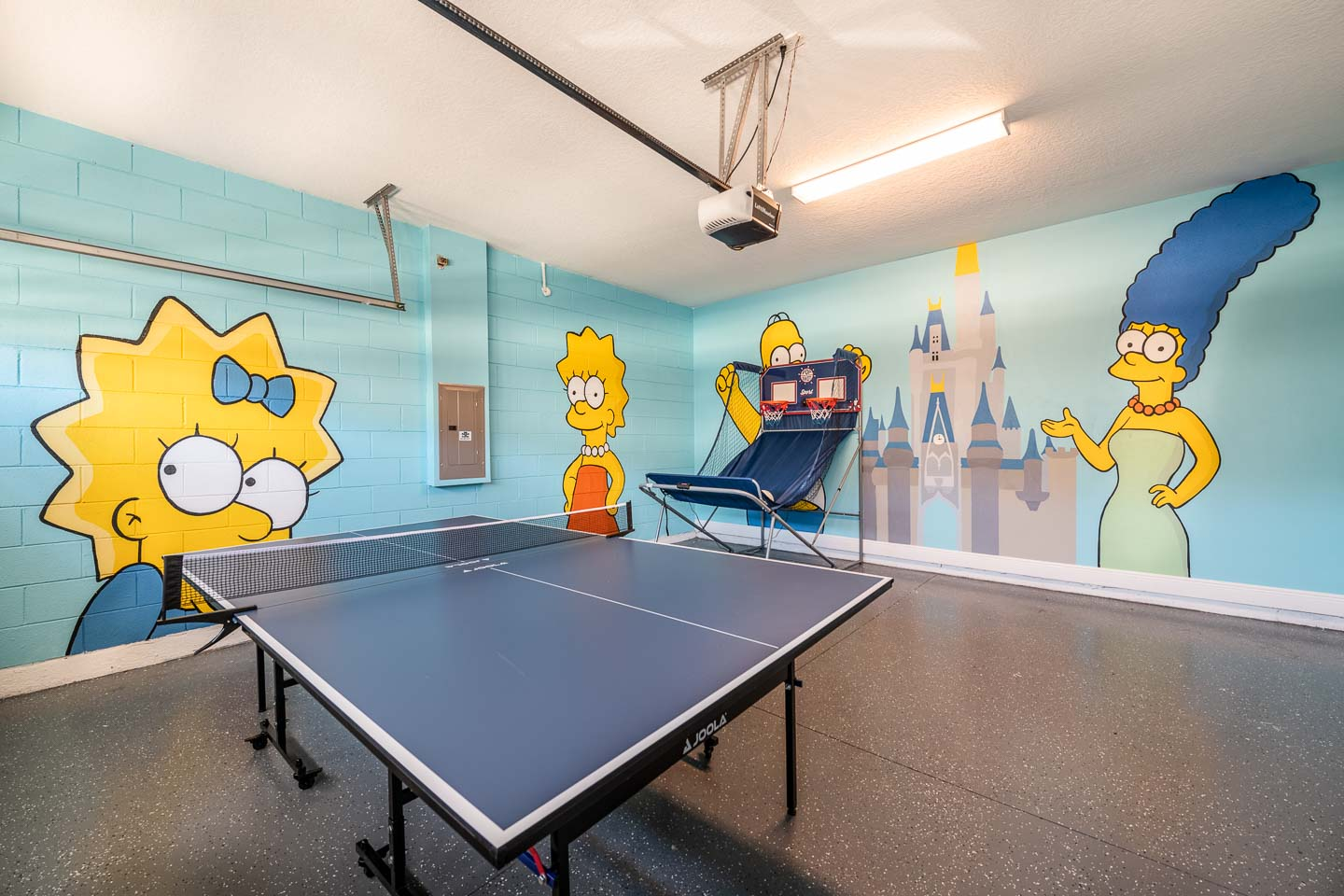 [amenities:game-room:1] Game Room