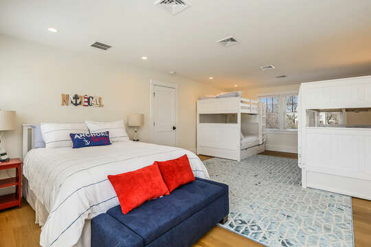 Queen and two bunkbeds - 74 E Bay View Road Dennis Cape Cod - New England Vacation Rentals