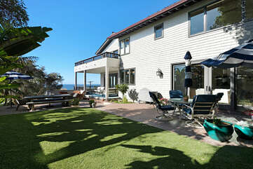 Another outdoor patio extension with ample dining, relaxing and ocean views.