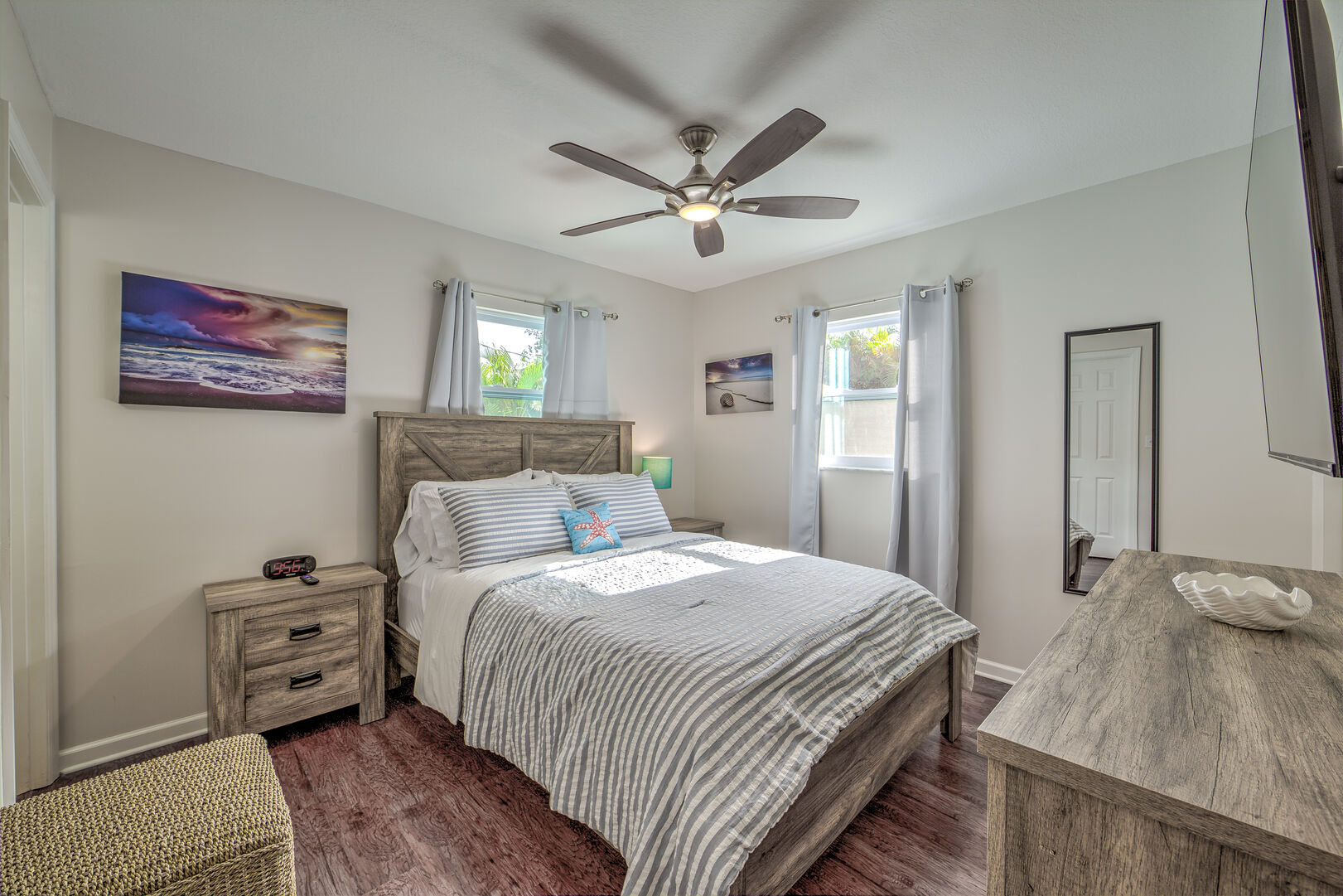 Bedroom of the Vacation Homes in Fort Myers