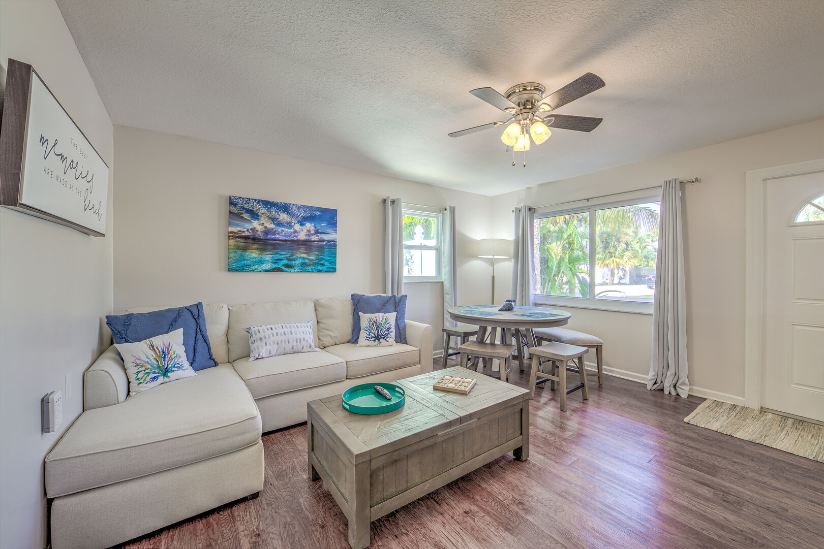 Living room in the Vacation Homes in Fort Myers