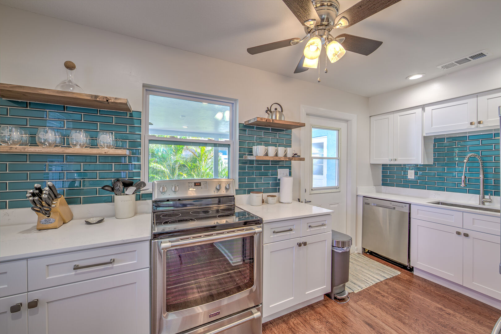 Vacation Homes in Fort Myers with Fully equipped kitchen