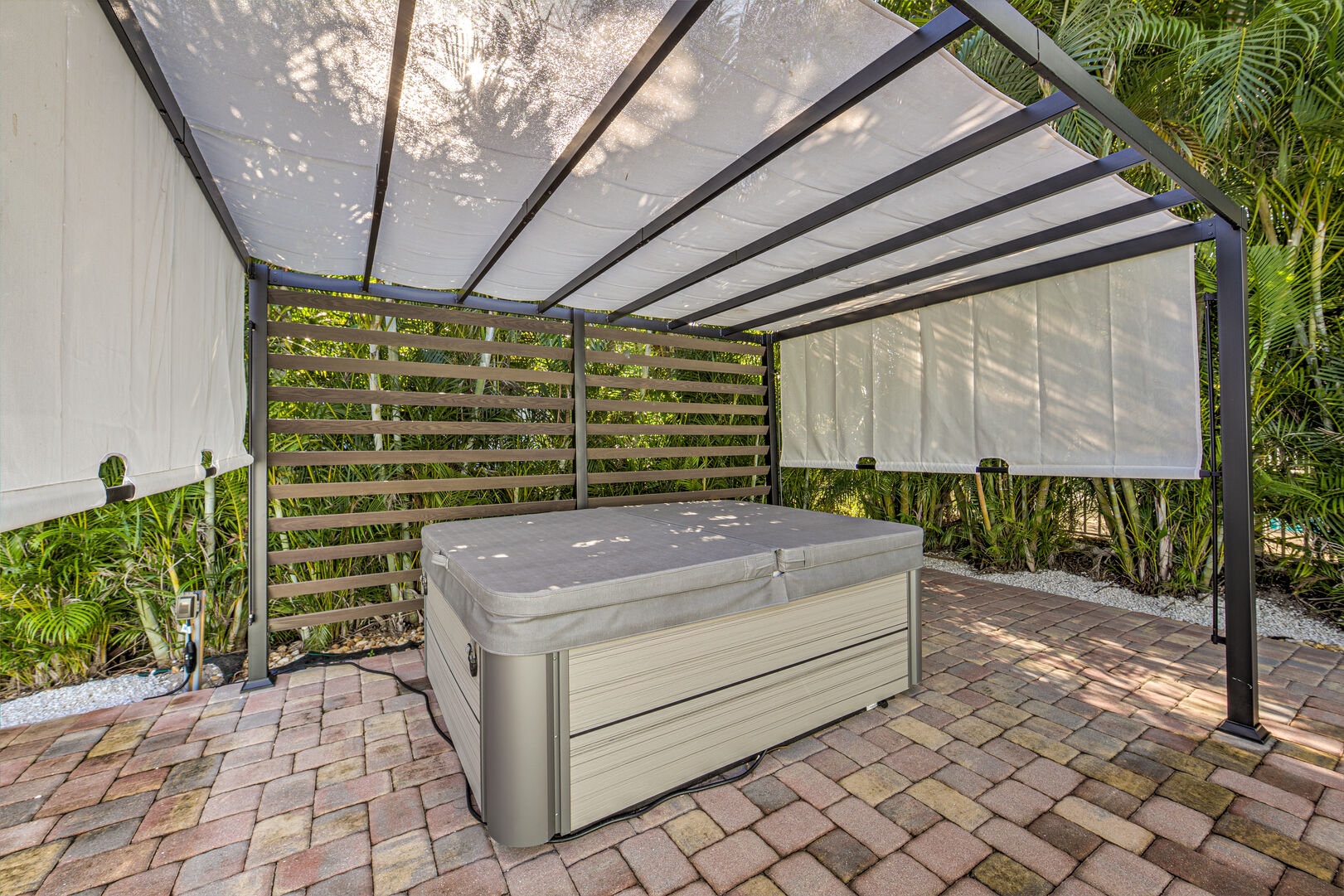 Vacation Homes in Fort Myers with Hot tubs