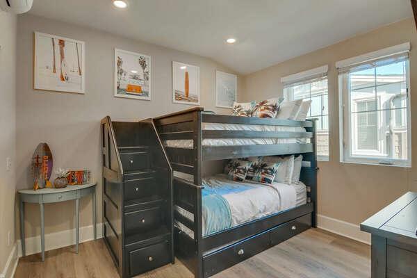 Bunk Room, Full/Full Bunk + Twin Trundle - Third Floor