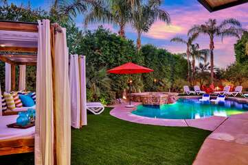 The oversized hedges will give you all the privacy you deserve on your vacation.