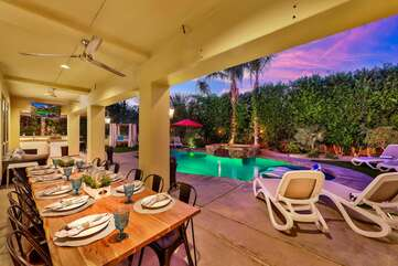 Located near the pool you can enjoy a proper dinner with seating for 12, stay cool under built in ceiling fan.
