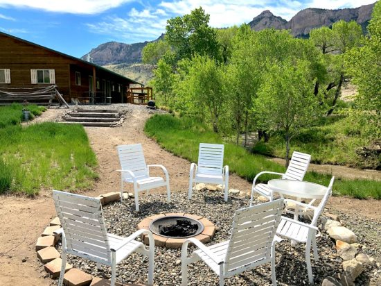 Relax and Enjoy the 360 Mountain Views
