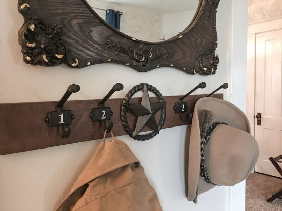Custom Entry Hanger