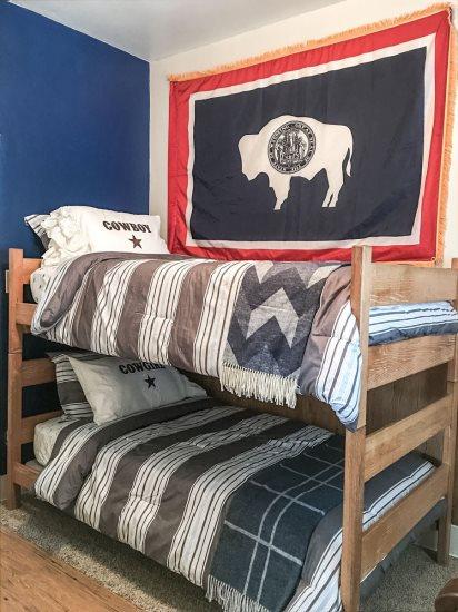 Bedroom 2 Bunk bed 2 twins