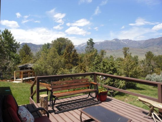Great mountain views from the front deck