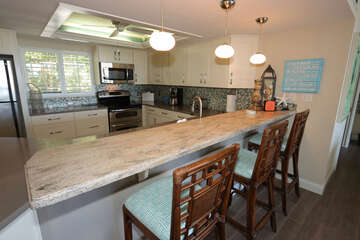 Counter seating and kitchen