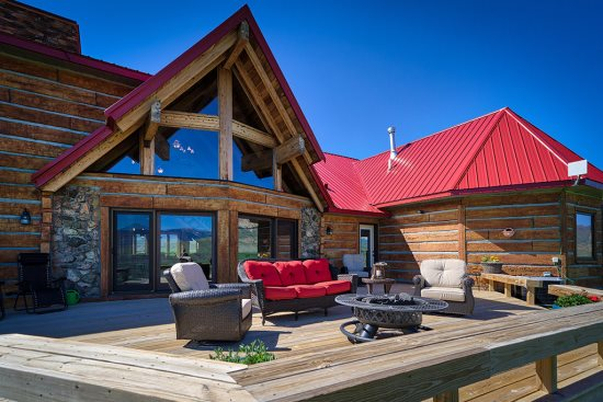 Furnished deck with gas fire pit