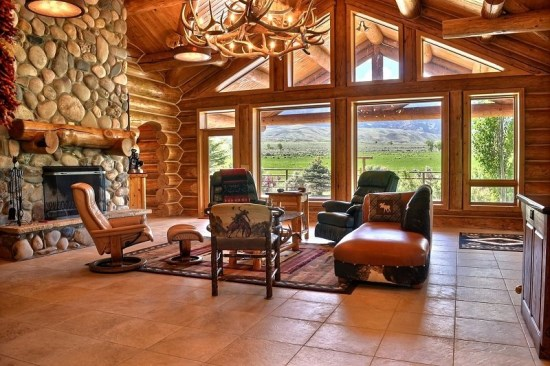 Upstairs cozy seating area with views