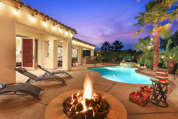 Relax on one of the 6 reclining chairs and soak up the sun, or warm up next to the natural gas fire pit when the sun goes down.