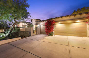 This beautiful home is located in the amazing community of Montage at Santa Rosa, great for evening walks.