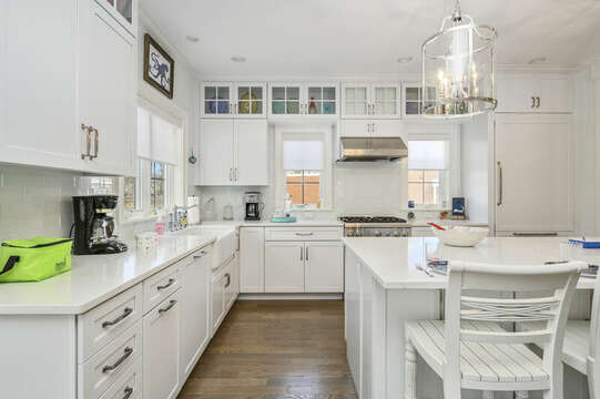 Enjoy high end appliances to cook your favorite meals-445 Lower County Rd Harwich- Cape Cod- New England Vacation Rentals.