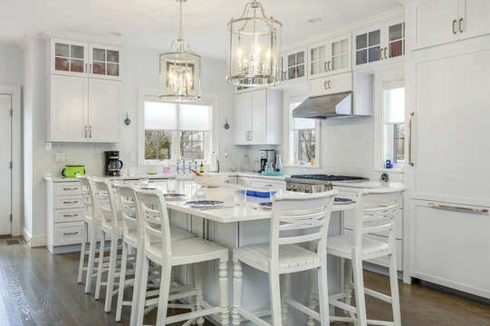 Large eat at counter seats 6-445 Lower County Rd Harwich- Cape Cod- New England Vacation Rentals.