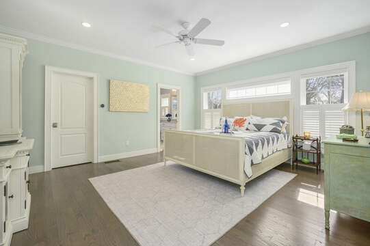 Bedroom #1 King with ensuite full bath #1-445 Lower County Rd Harwich- Cape Cod- New England Vacation Rentals.